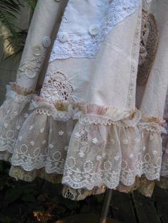 Shabby Chic Home Decor Vintage Outfits, Vintage Fashion, Mori Fashion, Romantic Outfit, Romantic Clothing, Altered Couture, Pearl And Lace, Lace Outfit, Linens And Lace