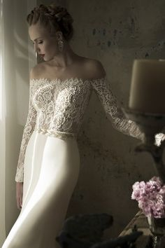 Off the shoulder beauty! #lace #welldressed