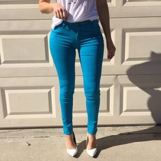 Teal Skinny Jegging Teal skinny Jegging. Stretchy denim 5 pocket jeans. Zip and button closure. Brand new. Never worn. Available in S-M-L. Model is wearing a small. No Paypal. No trades. 10% discount on all bundles made with the bundle feature. No offers will be considered unless you use the make me an offer feature.     Please follow  Instagram: BossyJoc3y  Blog: www.bossyjocey.com Jeans Skinny