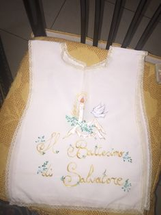 Camicina battesimo dipinta su stoffa Christening Gowns, Sewing, Creative, Handmade, Articles, Hardanger, Needlepoint, Couture, Sew