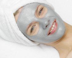 Helende og dybderensende ansigtsmaske | Opskrift dybderensende ansigtsmaskemed naturligt bentonit ler. Den dybderensende maske vil trænge dybt i din hud.