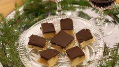Krämigt god fudge med ett överdrag av mörk choklad som ingen kan motstå!