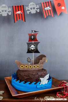 Decorate A Pirate Cake in 10 minutes with paper crafts from Kim Byers | @kimbyers TheCelebrationShoppe.com