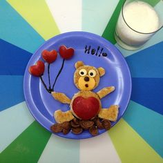 Bear Kids Food Art, breakfast with peanut butter and apple and cheese