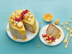 Valkosuklainen sitruuna-lakritsikakku Macarons, Cheesecake, Pudding, Baking, Sweet, Desserts, Candy, Tailgate Desserts, Deserts