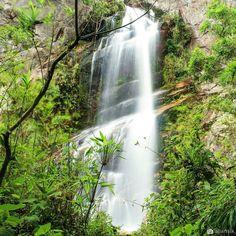 Cachoeira Véu da Noiva Petrópolis RJ  #parnaso #veudanoiva #petropolis #rj #trilhaseaventuras #brnaturallandscapes by allansik.photos