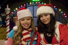 Photos of young teen celebrities like Victoria Justice, Snooki, Selena Gomez, Taylor Swift and the cast of Pretty Little Liars and Switched at Birth wearing Santa hats costumes. Cool Costumes, Adult Costumes, Teen Celebrities, Celebs, Icarly And Victorious, Naughty Or Nice List, Christmas Fancy Dress, Miranda Cosgrove, Jennette Mccurdy
