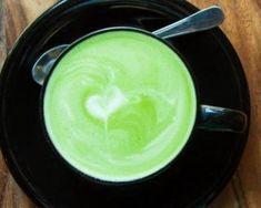 Matcha latte au lait d'amande : Savoureuse et équilibrée | Fourchette & Bikini