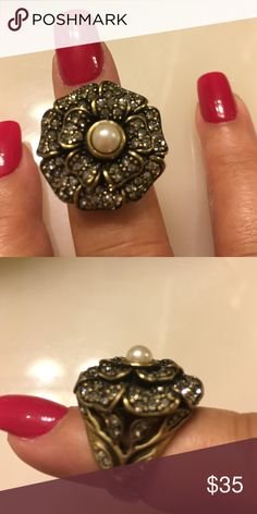 Antique go vintage jewelry by Heidi Beautiful pearl and crystal flower ring absolutely stunning Jewelry Rings