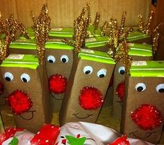 RUDOLPH JUICE COVERS One of our parents made this for our classroom party. Brown construction paper wrapped around the front and sides of a juice box (not on back to keep straw exposed). Add googly eyes, pom pom nose, smile, and gold pipe cleaner antlers. Mrs. Drakes Blog! Wonderful, easy ideas for school and home! Love her blog!