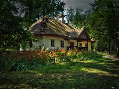 Ukrainian house by Dima Morozov Ukraine, Beautiful Homes, Beautiful Places, Ukrainian Art, Thatched Roof, Cottage Style Homes, Natural Building, Russian Art, Traditional House