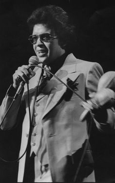Hector Lavoe - The Puerto Rican singer is classified as one of the greats and… Puerto Rican Music, Puerto Rican Singers, Spanish Music, Latin Music, Spanish Fly, Puerto Rico, Musica Salsa, All Star, Puerto Rican Culture