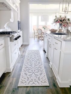 Are you looking for inspiration for farmhouse kitchen? Check this out for very best farmhouse kitchen images. This kind of farmhouse kitchen ideas looks completely wonderful. Kitchen Rug, Home Decor Kitchen, Diy Kitchen, Interior Design Living Room, Home Kitchens, Kitchen Ideas, Awesome Kitchen, Gray Kitchens, Gray Kitchen Walls