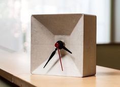 concrete-desk-clock
