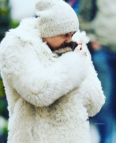 Cutie �� #mileycyrus #smilers #queen #miley #beautiful #gorgeous #style #fashion #outfit #celebrity #celebs #actress #singer #l4l #lfl #likeforlike #like4likes #like4like #candids #paparazzi http://tipsrazzi.com/ipost/1505253975620081928/?code=BTjvIQBlFkI