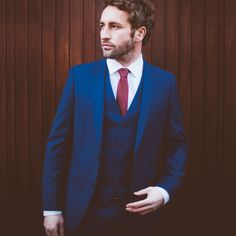 Dapper Three Piece Suit in blue with Red Skinny Tie // Photographed by Joshua Porter // Model Jason Cook Indigo Blue Suit, Blue Suit Vest, Suit With Red Tie, Azul Indigo, Suit And Tie, Blue Suits, Indigo Mens Suit, Red Ties, Blue Suit Wedding