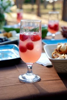 Spiked Raspberry Lemonade