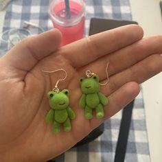 Cute Jewelry, Jewelry Accessories, Funky Jewelry, Frog Pictures, Frog Art, Cute Frogs, Cute Earrings, Drop Earrings, Clay Crafts