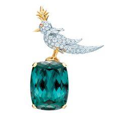 """La broche """"Bird on a rock"""" de Jean Schlumberger pour Tiffany http://www.vogue.fr/joaillerie/le-bijou-du-jour/diaporama/la-broche-bird-on-a-rock-de-jean-schlumberger-pour-tiffany-co-colors-of-wonder/14079"""