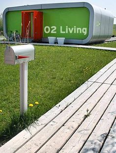 02 Living. Simple.  Movable.  <3 it!