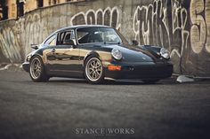 magnus-walker-964-outlaw-custom