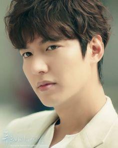 The legend of the blue sea / Lee Min Hoo ♡♡♡ Lee Min Ho News, Lee Min Ho Kdrama, Korean Men, Korean Actors, Mens Perm, Permed Hairstyles, Boys Over Flowers, Pure Beauty, Minho