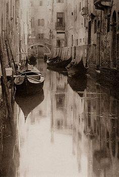 Venetian Canal (1894) by Alfred Steiglitz