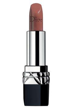 23 Best Nude Lipsticks - Flattering Nude Lip Colors for 2017 #lipcolors2017