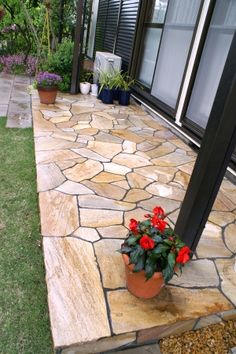 stone patio- this color may go well with the brick on our house Backyard Walkway, Backyard Patio Designs, Backyard Landscaping, Outdoor Paving, Outdoor Gardens, Stone Patio Designs, Cottage Patio, Brick Patios, Garden Fountains