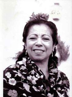 Fernanda de Utrera, cantaora imprescindible en la historia del flamenco, a través de una fotografía de Pepe Lamarca.