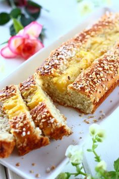 Pannupulla, peltipulla, helppo pulla.. (munaton) - Suklaapossu Tasty Pastry, Sweet Pastries, Banana Bread, Nom Nom, Sweet Tooth, French Toast, Muffins, Food And Drink, Yummy Food
