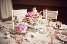 rustic Round Wedding Table Decorations | Image from DIY Wedding Decorations