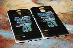 These dark wood elephant cases for Samsung Galaxy are awesome!