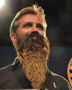 25 Crazy and Bizarre Beard and Moustache Styles ... crazy_facial_hair_02 └▶ └▶ http://www.pouted.com/?p=37077