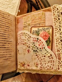 Use like envelope in back of journal to keep notes & cards. Use like envelope in back of journal to keep notes & cards. Junk Journal, Art Journal Pages, Journal Covers, Notebook Covers, Handmade Journals, Handmade Books, Handmade Crafts, Handmade Rugs, Mini Scrapbook Albums