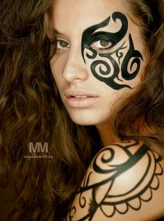Tribal fusion -- I want to do my makeup like this some time!