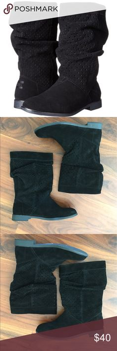 """Toms Serra suede perforated boots Toms Serra suede perforated leather boots in black, size 7. New without box.       ❌ No holds.  🚫 No trades.  ✅ If it's listed, it's available.  💵 All offers must be made through the """"Offer"""" button. Offers left in comments won't be acknowledged. TOMS Shoes"""