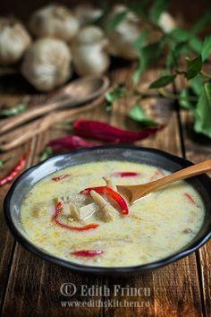 ciorba de burta falsa... din cipuerci pleurotus Tripe Recipes, My Recipes, Soup Recipes, Vegetarian Recipes, Cooking Recipes, Vegan Foods, I Foods, Food Design, Romania Food