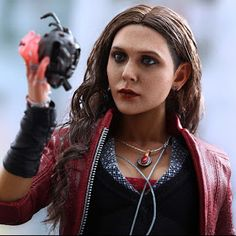 Hot Toys Avengers: Age of Ultron Wanda Maximoff aka Scarlet Witch collectible figure Black Widow Scarlett, Wanda And Vision, Avengers Age, Age Of Ultron, Elizabeth Olsen, Scarlet Witch, Marvel Legends, Best Actress, American Actress