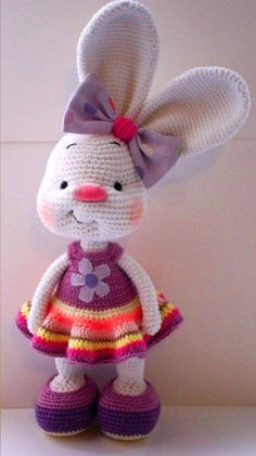 Pretty bunny - free crochet pattern