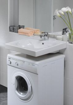 5 Bathroom Remodeling hacks to save you money Laundry Room Shelves, Laundry In Bathroom, Small Bathroom, Bathroom Layout, Bathroom Interior, Small Toilet Room, Multipurpose Furniture, Small Laundry, Home Remodeling
