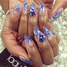 Find them on IG: Bling Nail Art, Bling Nails, Stiletto Nails, Sassy Nails, Love Nails, Gorgeous Nails, Pretty Nails, Purple Gel Nails, Laque Nail Bar