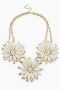 Flower Necklace in Ivory