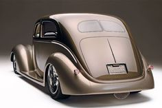 An Old Sedan Gets a Few Right Angles and Emerges as an Acute Street Rod.