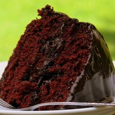 Old Fashioned Chocolate Cake with Glossy Chocolate Icing!