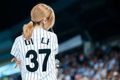 Baseball Match, Twins Baseball, Kpop Girl Groups, Korean Girl Groups, Kpop Girls, Twice Once, Myoui Mina, Japanese American, Yoona