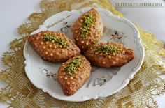 Nefis ve garantili bir Kalburabasti tarifi Turkish Recipes, Ethnic Recipes, Pasta Cake, Bakery Cakes, Middle Eastern Recipes, Iftar, Afternoon Snacks, Food And Drink, Dessert Recipes