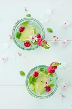 Mojito-revisité: menthe fraîche, verveine fraîche, Rhum et citron vert,