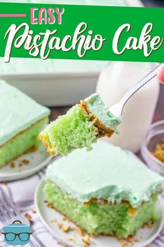 This easy Pistachio Cake recipe starts with a boxed cake mix and it is transformed into a super yummy cake that tastes homemade! Pistachio Pudding, Pistachio Cake, Dessert Simple, Baking Recipes, Cake Recipes, Dessert Recipes, Dinner Recipes, Snacks Sains, Country Cooking