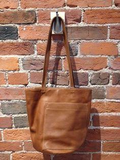 Erin Templeton - Bucket Bag in Caramel